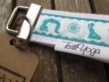 Schlüsselband Yoga Asana (petrol/weiß)